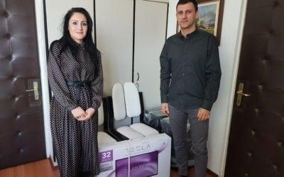 """Novosadska kompanija Positive d.o.o. uručila donaciju Domu """"Veternik"""", ustanovi za decu i omladinu ometenu u razvoju u Veterniku."""